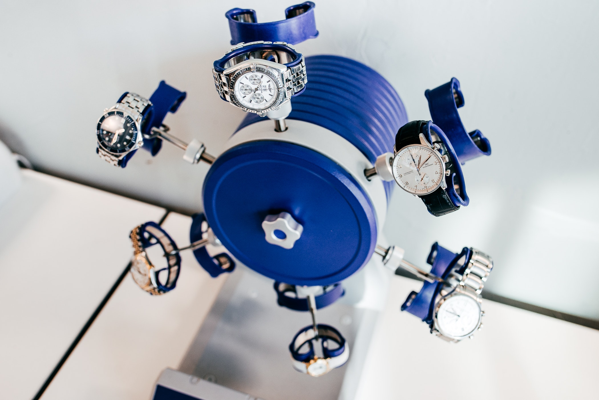 Watch winders for luxury watches at CHRONEXT