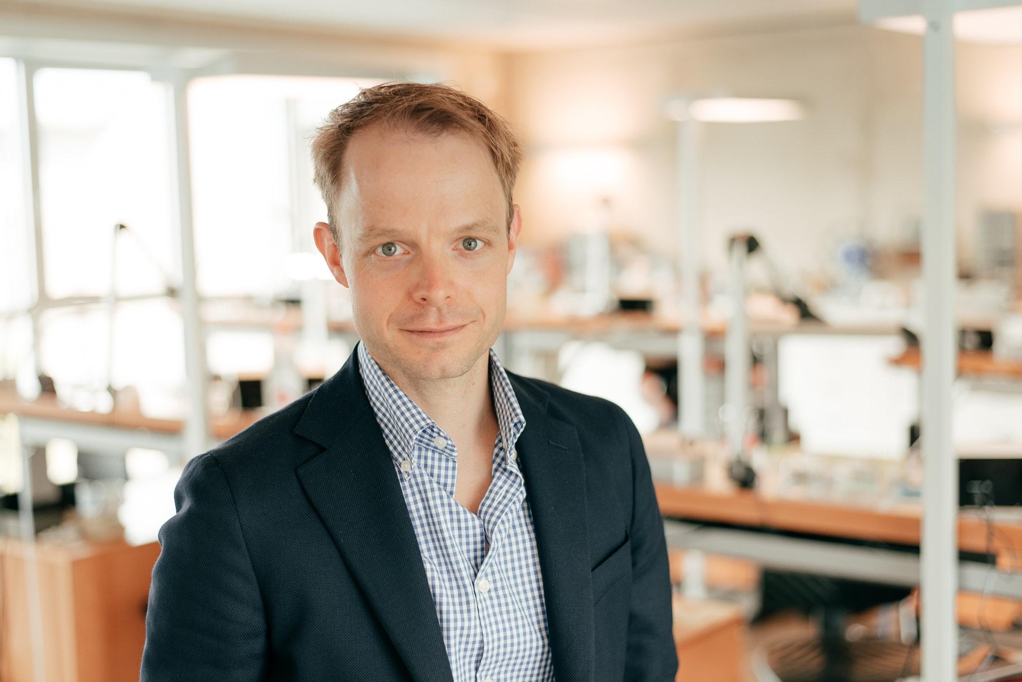 Dr. Thorsten Lottici